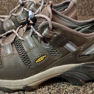 Keen Shoes - Keen hiking waterproof shoes